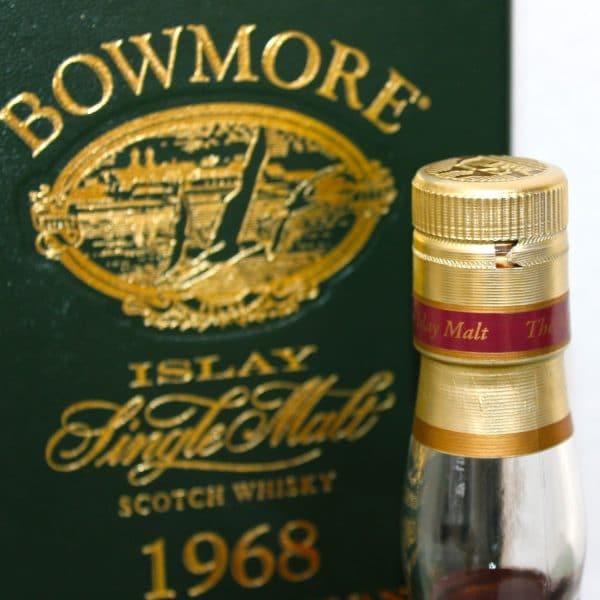Bowmore 1968 32 Years Old capsule